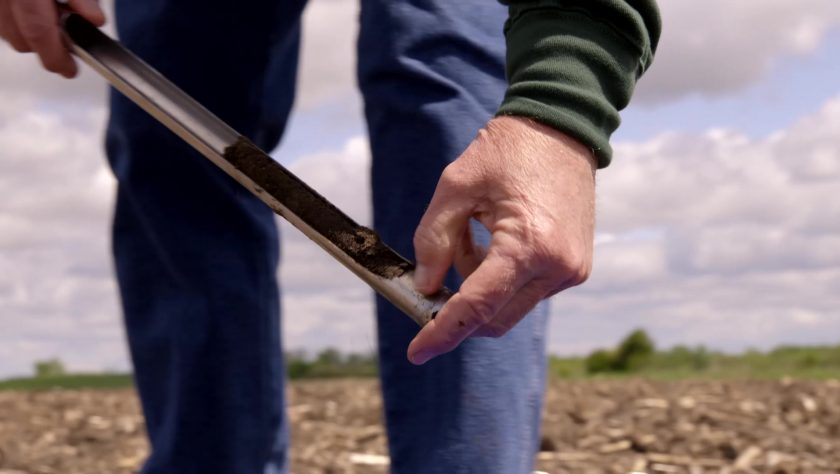 How to Use Soil Sampling to Improve Nutrient Levels and Crop Yield